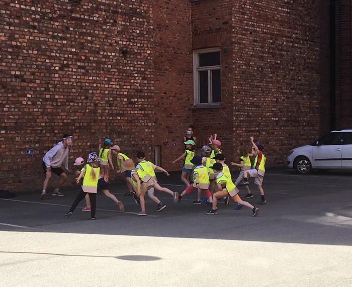 Preschoolers from kindergarten Elias on an exhibition tour based on movement, organised by Oskari Nyyssölä and Siiri Uotila from Eidos