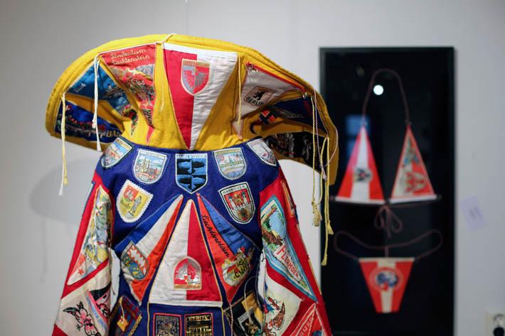 Marjo Levlin: National Dress, and Femail Tourist Uniform (kuva Marjo Levlin)
