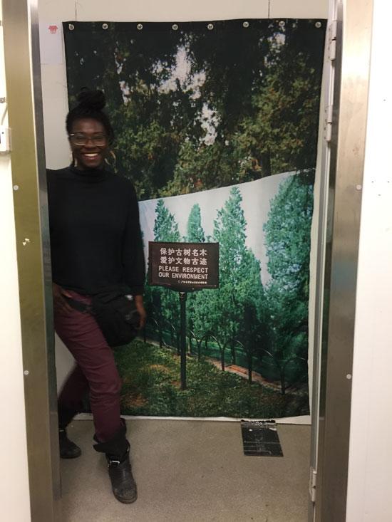 Marja Viitahuhta: Please (Evidence Room - Galleria Huuto in Supermarket 2018)
