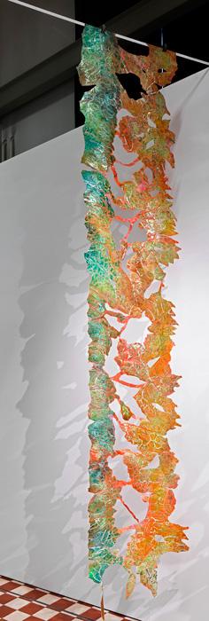 Paula Puoskari: Escape Garden – Vines of Hope (installaatio). Kuva Jussi Tiainen.