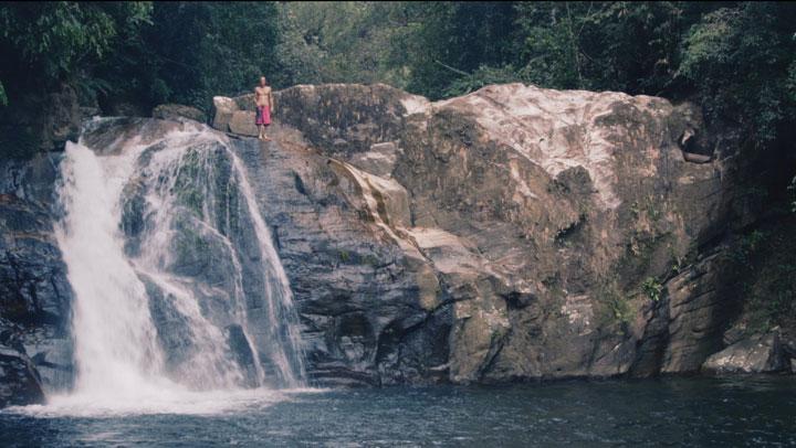 Chasing Waterfalls videostilli